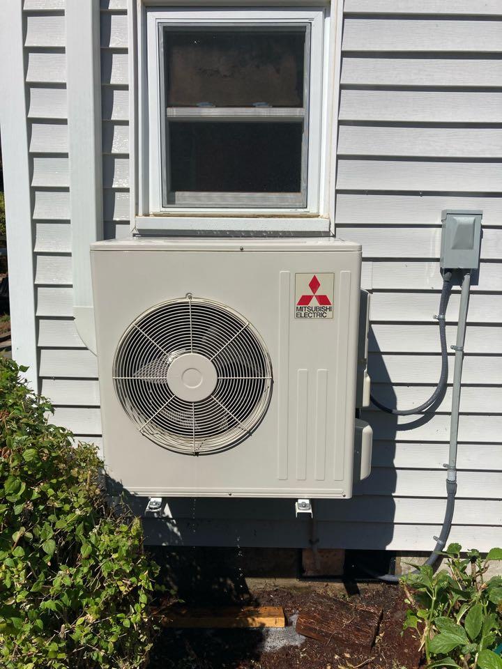 Monroe, OR - Mitsubishi ductless heat pump maintenance tuneup