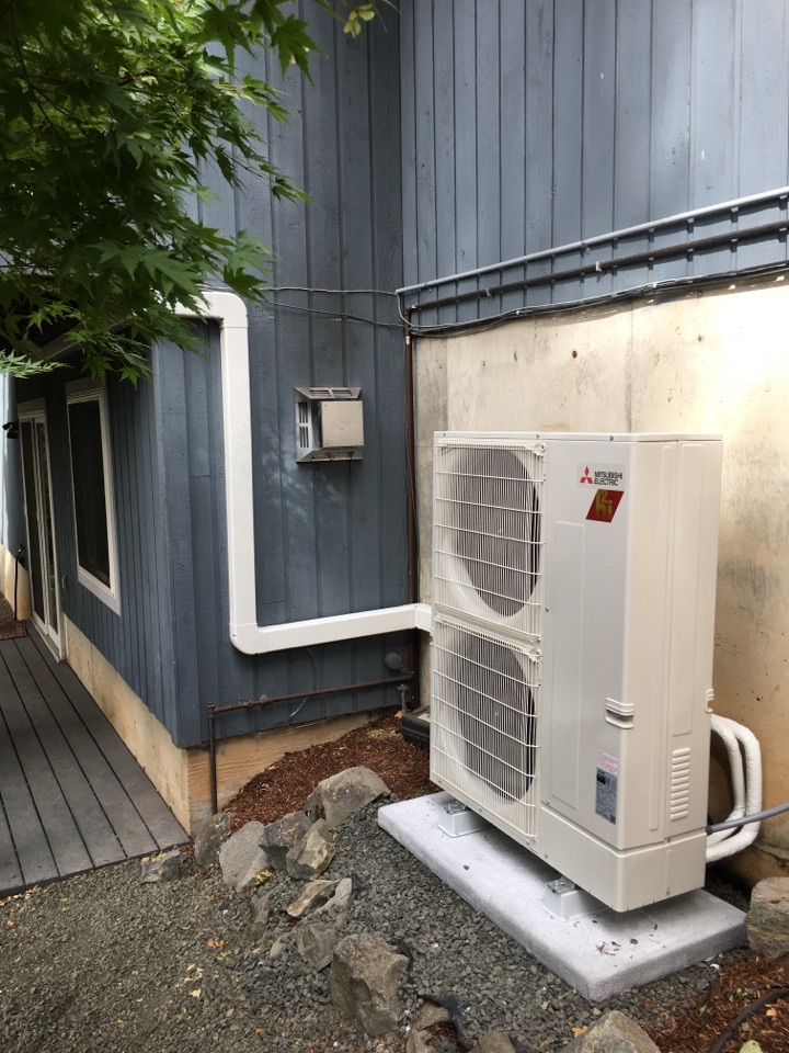 Philomath, OR - Mitsubishi ductless heat pump install