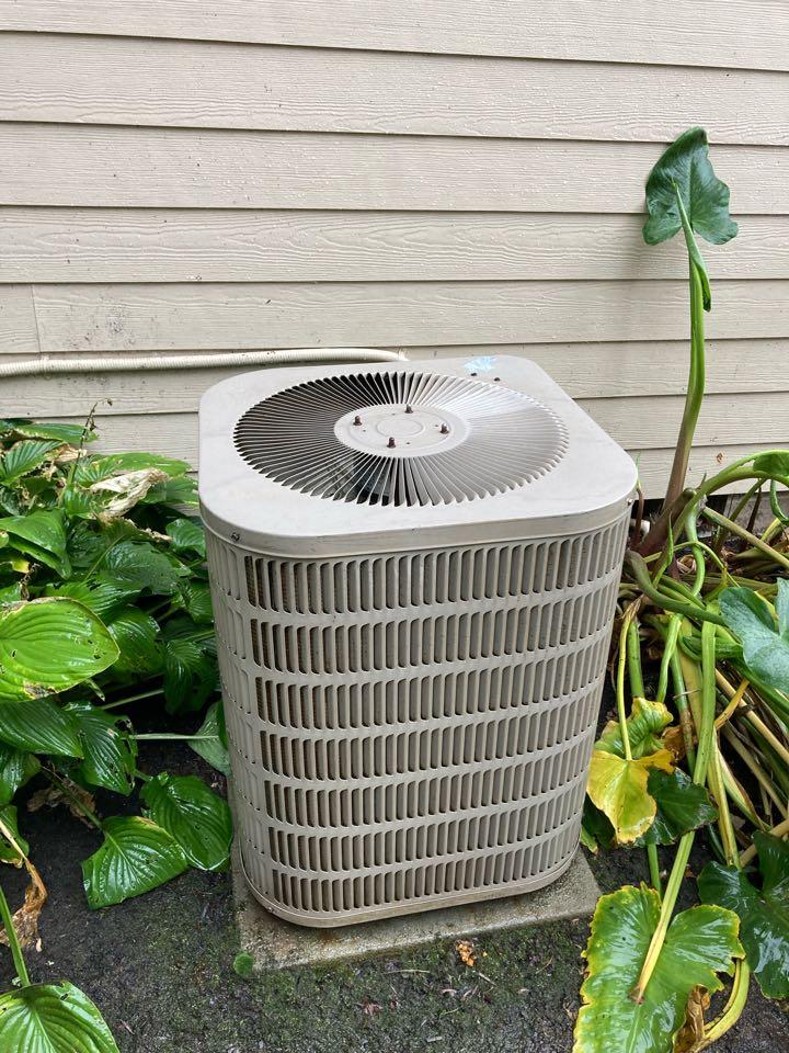 Keizer, OR - Goodman air conditioner maintenance tuneup