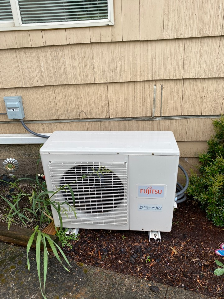 Junction City, OR - Ductless heat pump