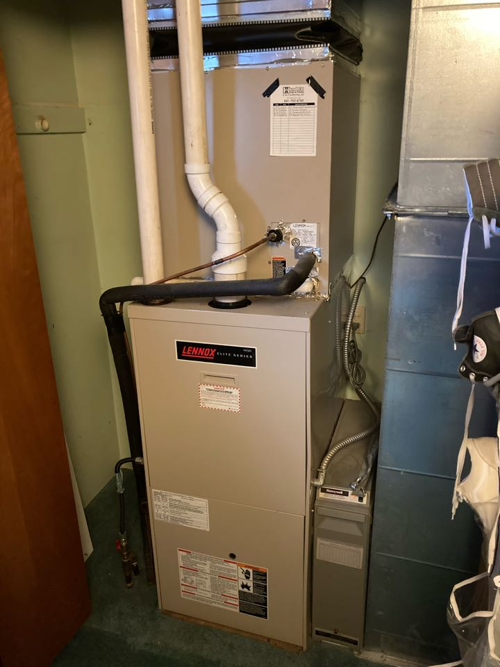 Monmouth, OR - Lennox furnace maintenance tuneup