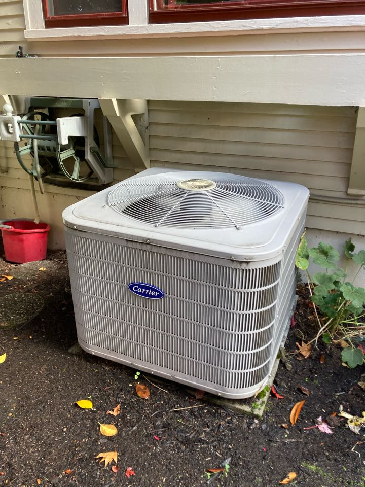 Corvallis, OR - Carrier air conditioner maintenance tuneup