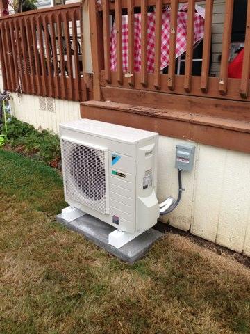 Aumsville, OR - Installation of new high efficient Daikin ductless heat pump system.
