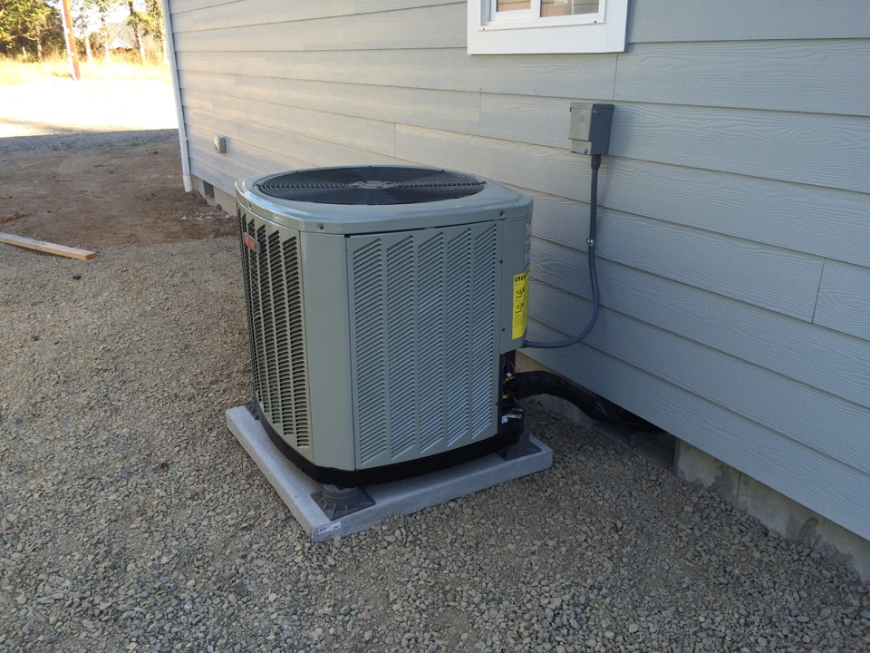 Veneta, OR - New home construction with Trane heat pump system.