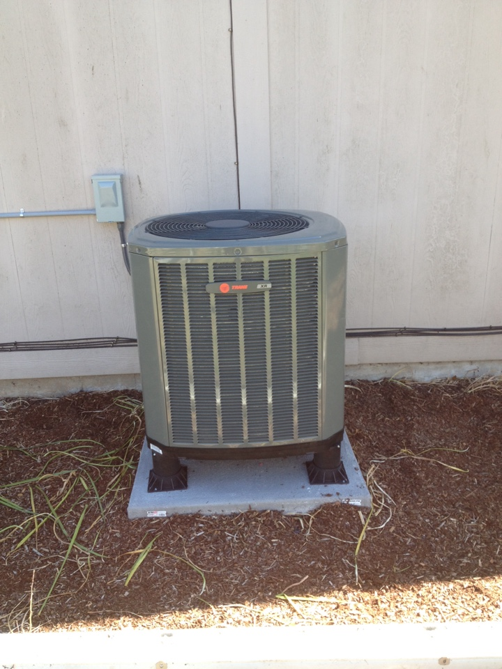 Tangent, OR - Trane heat pump and electric furnace install