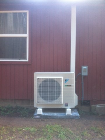 Blodgett, OR - Daikin ductless heat pump installation.