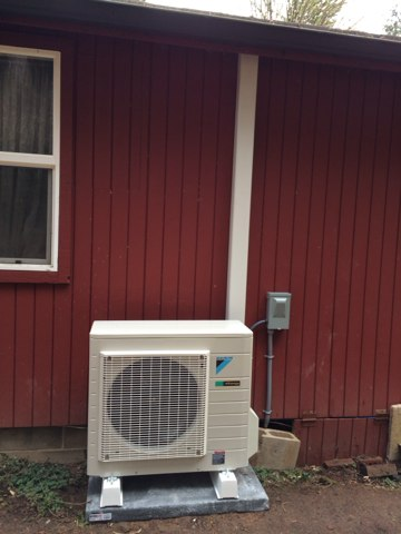 Blodgett, OR - CPI Daikin ductless heat pump