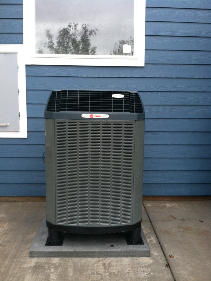 Turner, OR - Installed trane heat pump.