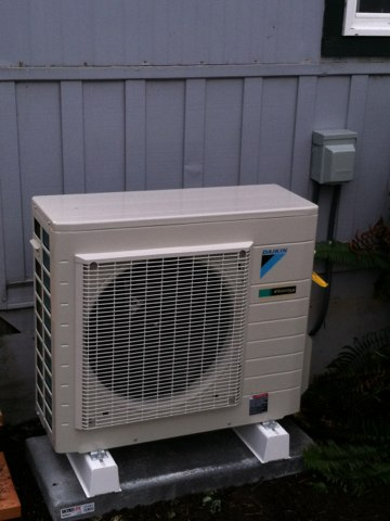 Blodgett, OR - Install Daikin ductless heat pump