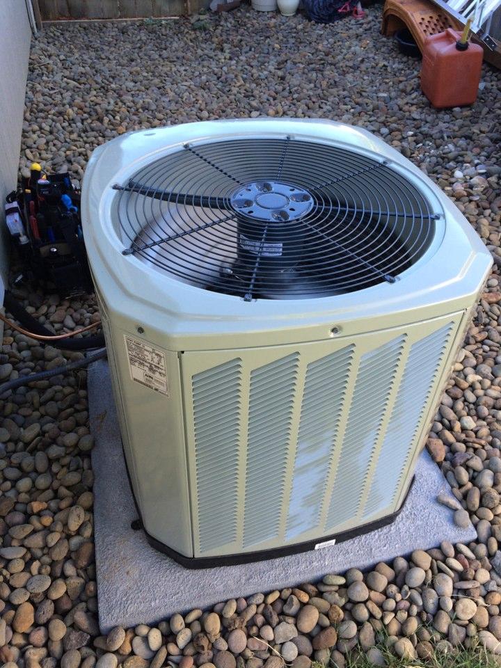 Veneta, OR - New Trane install. Heat pump system.