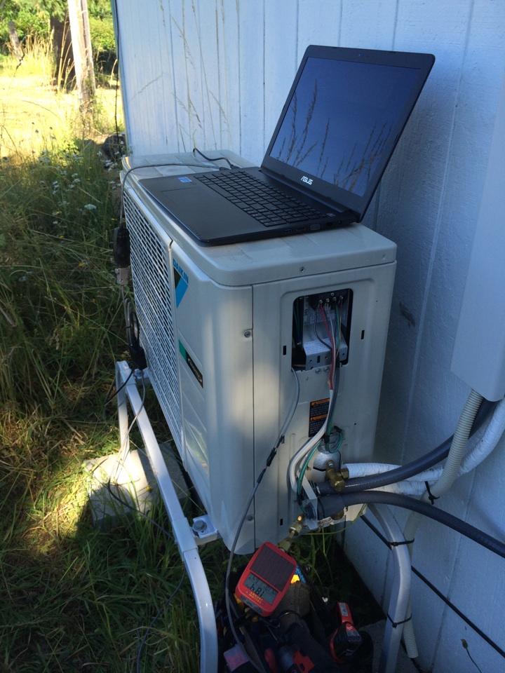 Aumsville, OR - Daikin ductless heat pump