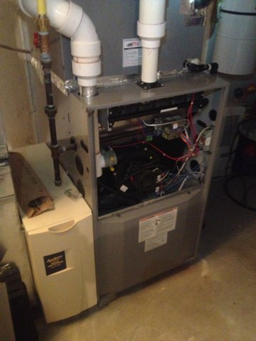Burlington, CT - Heat maintenance on Heil gas furnace.