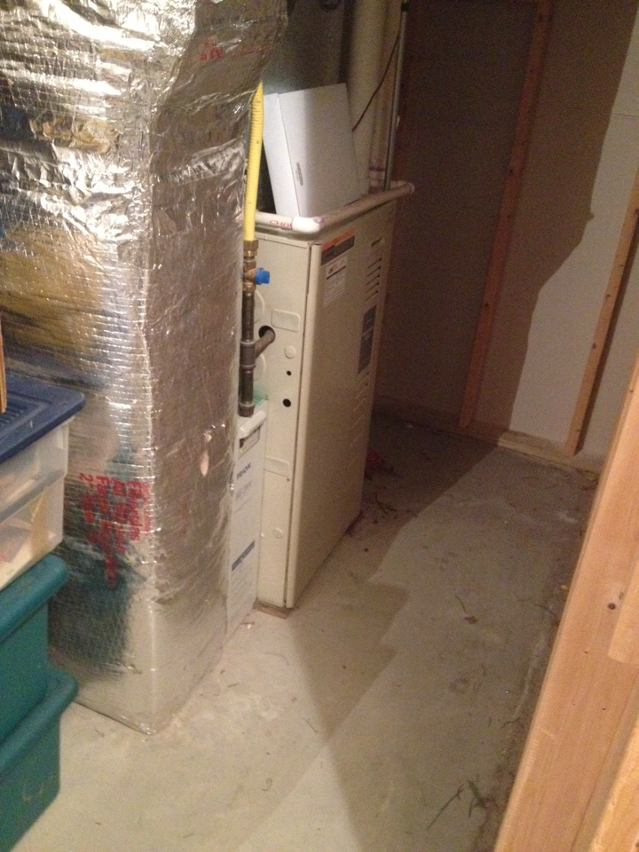 Cromwell, CT - Tune up a carrier furnace 58mxa100 and a ao smith hot water heater fpse75234