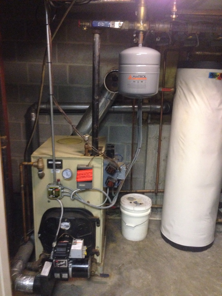 Windsor, CT - Maintenance on Weil McLain oil boiler