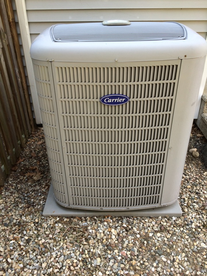 Plainville, CT - Carrier heat pump maintenance