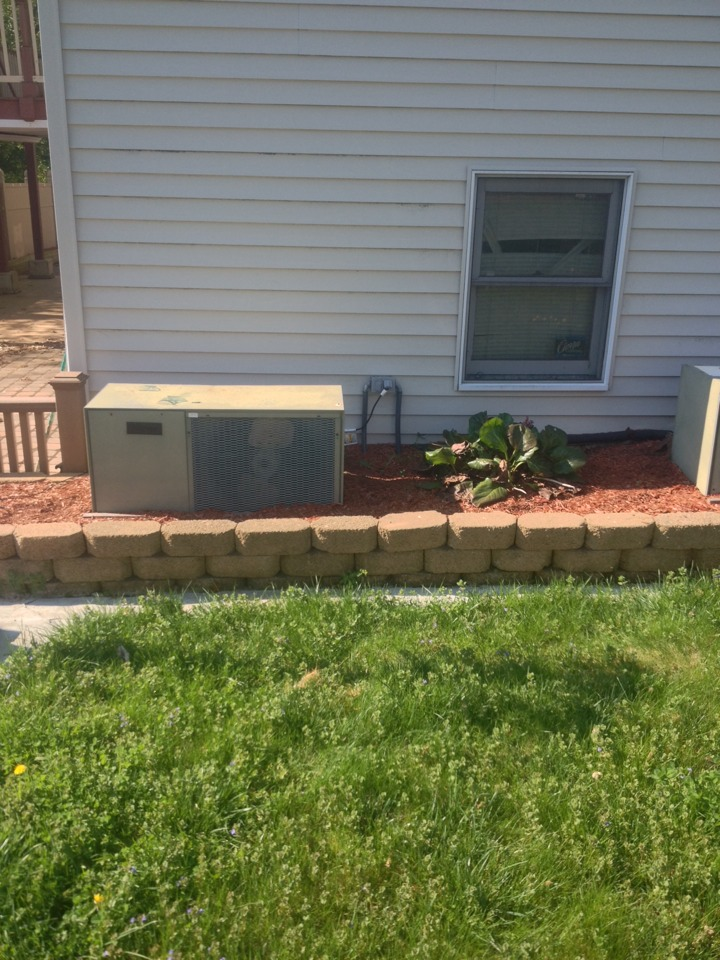Southington, CT - Price replacing (2) HEIL A/C Condensers Model 29HDA-10034CR