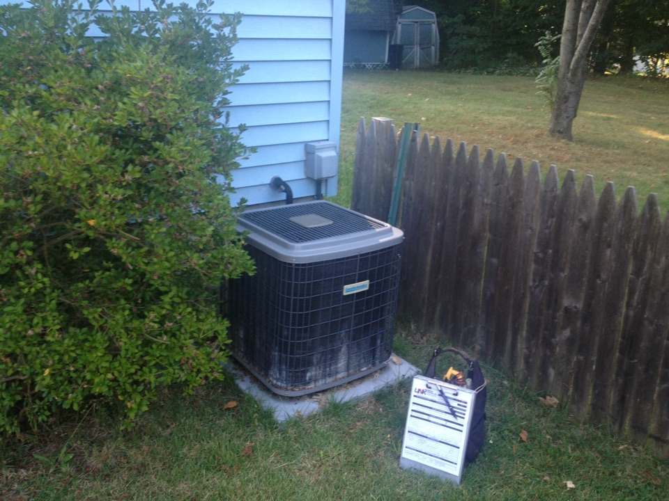 Plainville, CT - Capacitor repair and cleaning on a comfort maker air conditioner