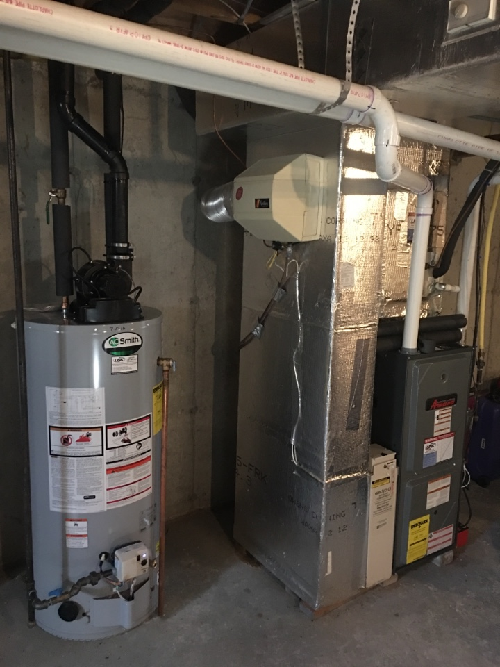 Bloomfield, CT - Performance tune up on gas furnace, water heater and humidifier.