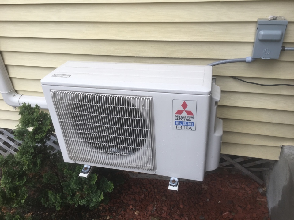 New Britain, CT - Preventive maintenance on Mitsubishi ductless heat pump and Carrier AC split system.
