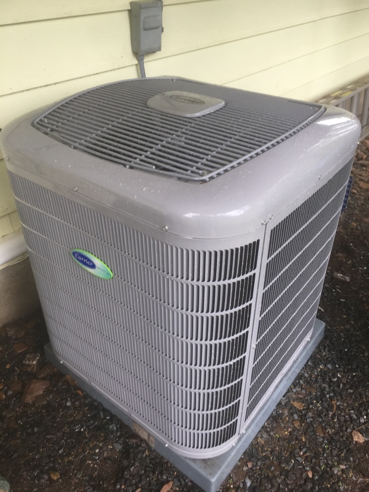 West Hartford, CT - Performance tune up on Carrier central air system.