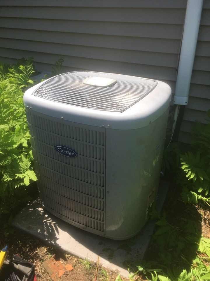 West Hartford, CT - Performance tune up on Carrier Infinity AC system.