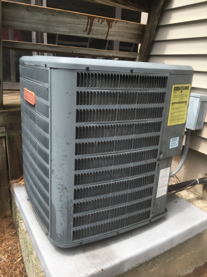 New Britain, CT - Tune up on AC split system.