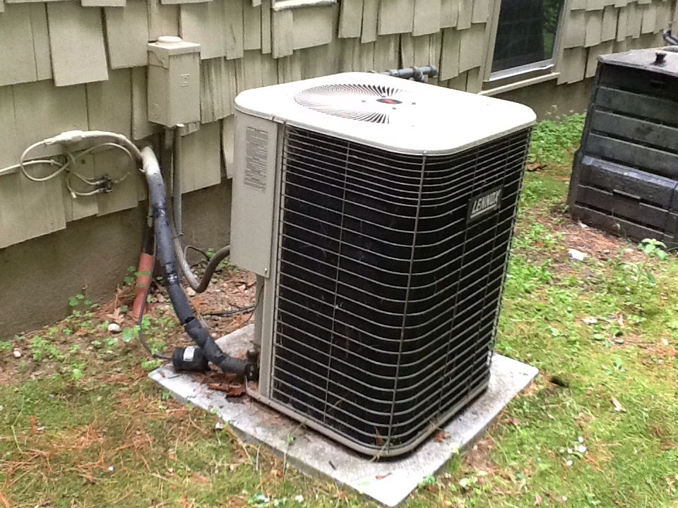 Simsbury, CT - Lennox. A/C   Lost power to condenser