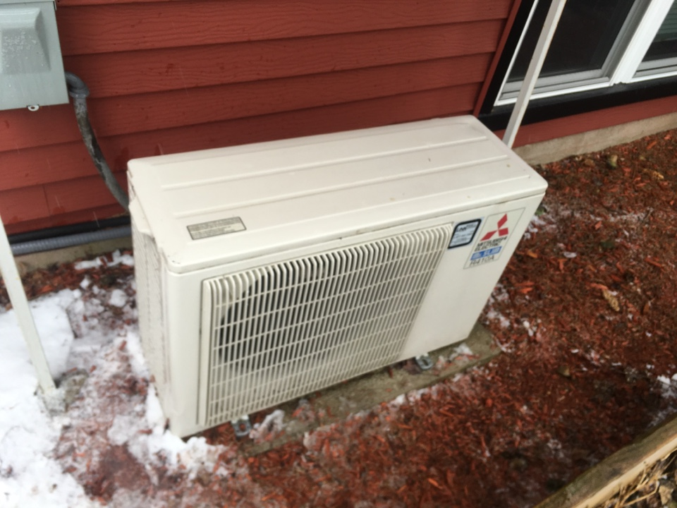 Meriden, CT - Performance tune up on Mitsubishi ductless split system.