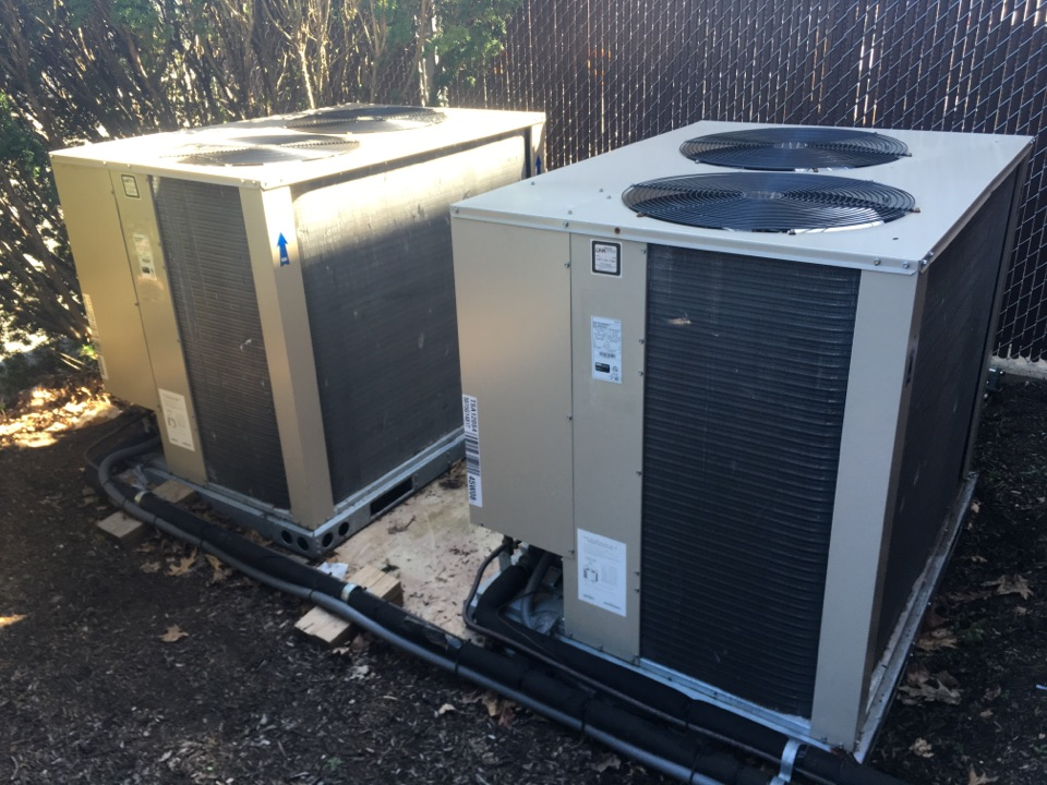 Cromwell, CT - Performance tune up on Lennox AC systems.