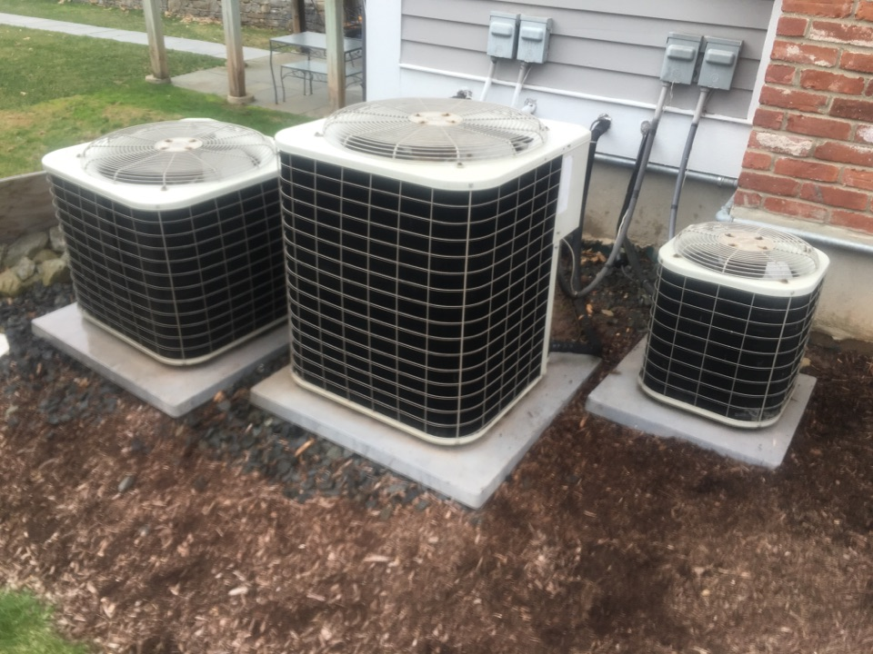 Avon, CT - Performance tune up on 4 AC systems