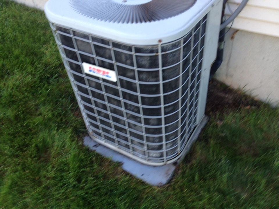 Cromwell, CT - Replace a capacitor and wire repair on a Heil air conditioner ca3030qka