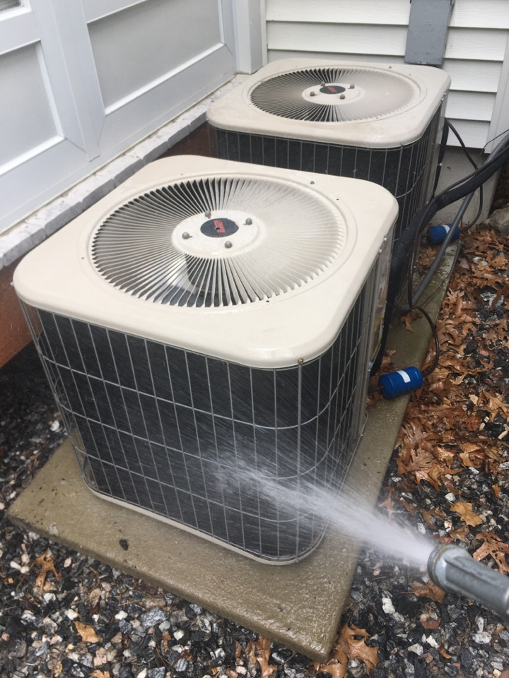 Canton, CT - Performance tune up on Lennox AC system