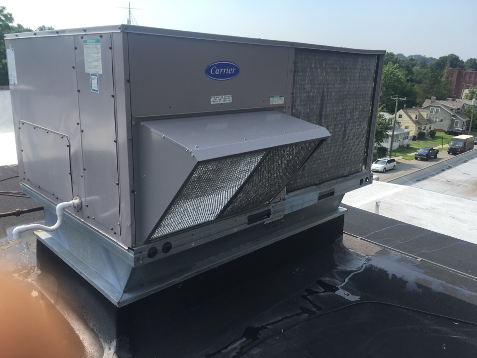 Meriden, CT - Economizer replacement on Carrier rooftop unit