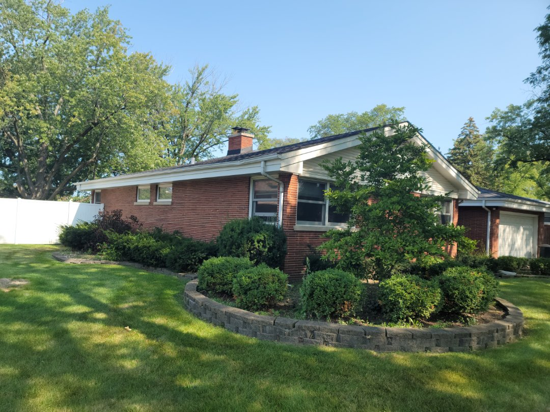 Palos Heights, IL - Meeting with client to discuss new gutter run