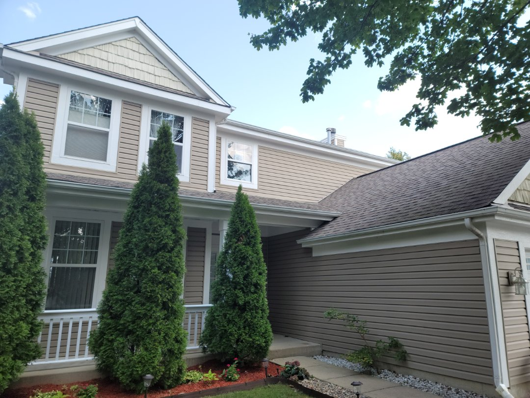 North Aurora, IL - Meet with client to discuss new gutters