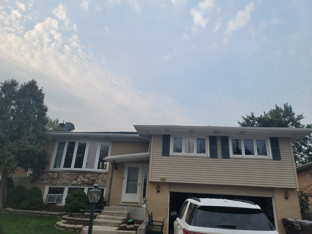 Oak Forest, IL - Meeting with client to discuss new gutters