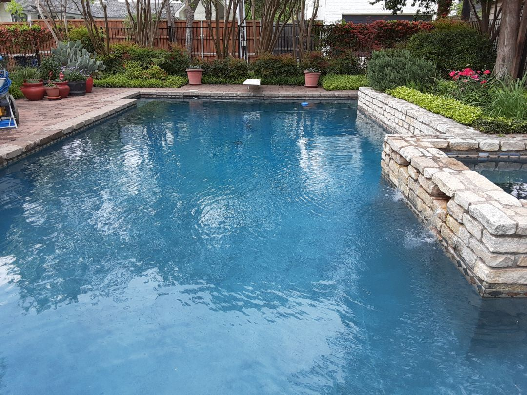 Dallas, TX - Making clear water with clear blue water clarifier