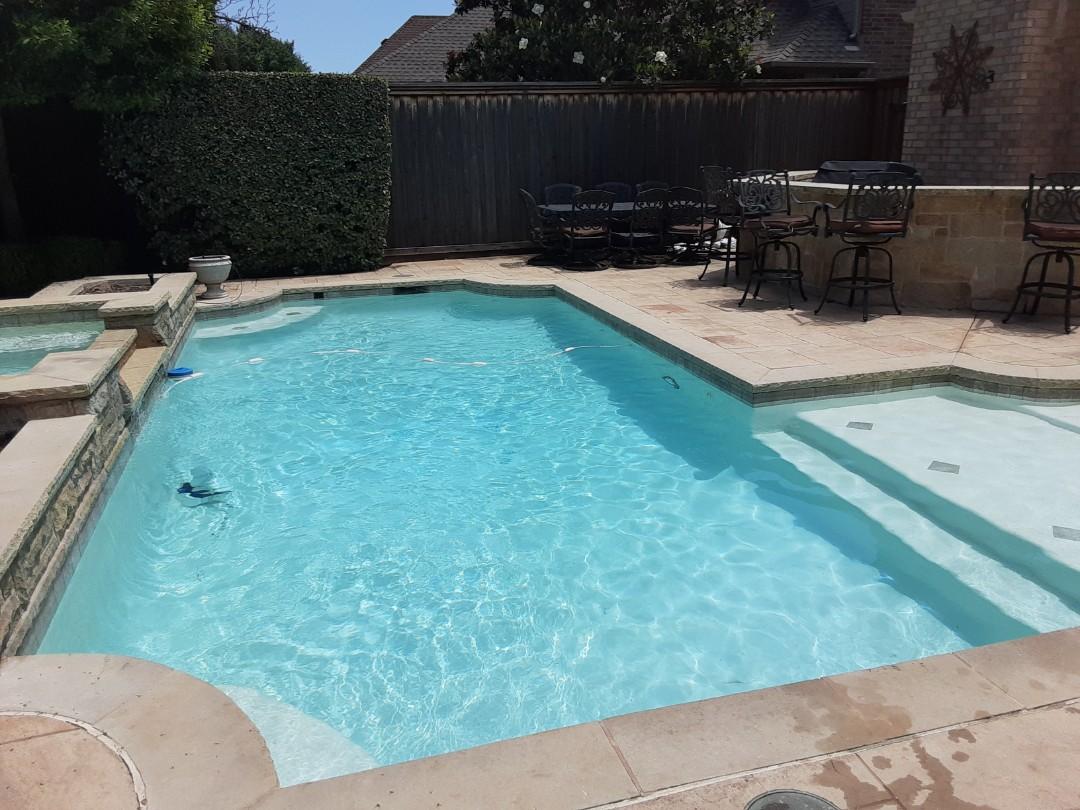 Carrollton, TX - Full service pool cleaning 5 days a week in farmer's branch