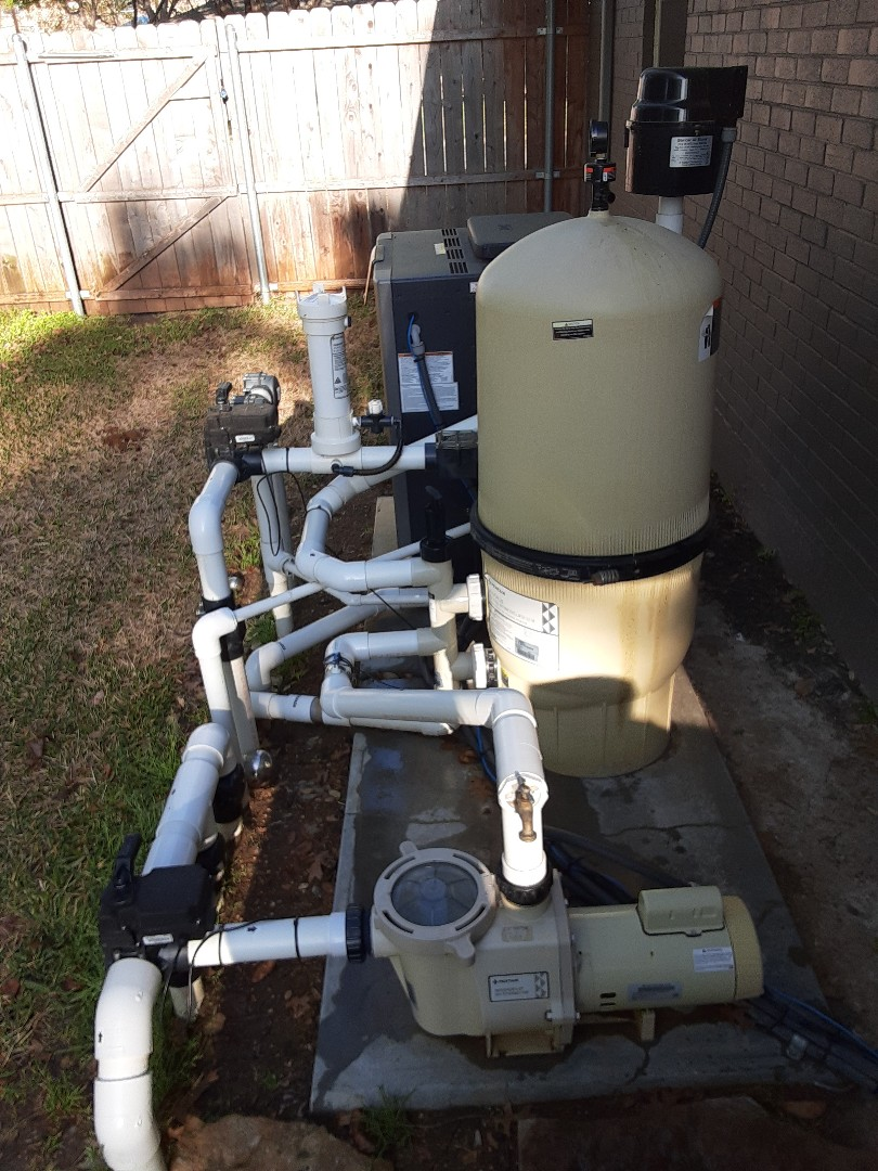 Farmers Branch, TX - An early morning filter cleaning at a residential pool and spa outfitted with a Pentair FNSP60 DE filter.