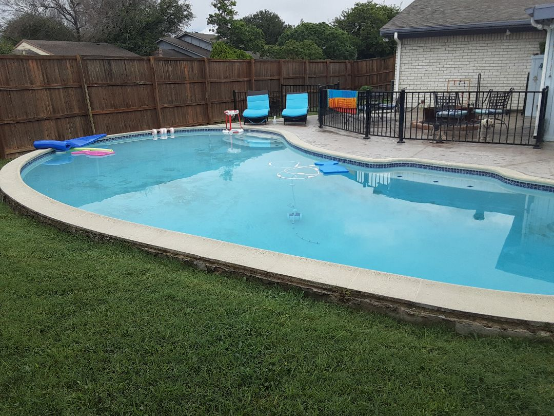 Garland, TX - Performing a thorough cleaning of a Pentair FNSP60 DE filter at a family friendly backyard pool.