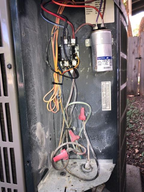 Wimberley, TX - Performed diagnostics and found a faulty electrical connection on upstairs heat pump system. Cut and reconnected high voltage wiring with new wire nuts and preformed safety testing. System working at this time.