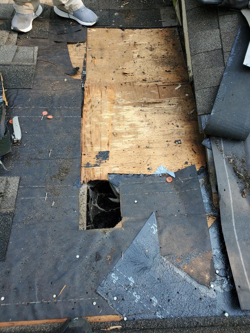 Independence, MO - Roof repair
