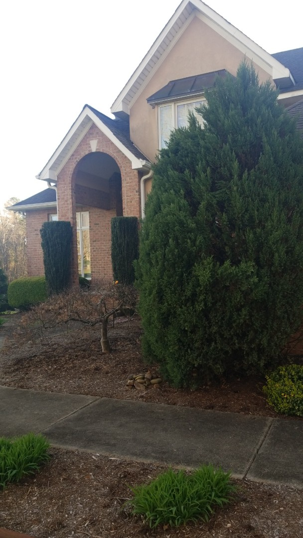 Hickory, NC - Free roof inspection on Lake Hickory looking for storm damage.