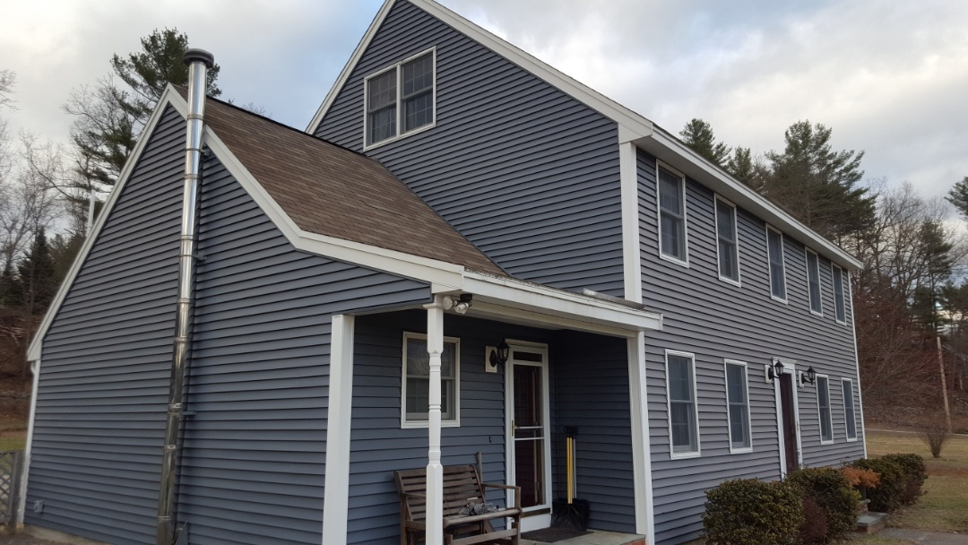 Dunstable, MA - This beautiful Colonial is looking for an aluminum standing seam roof.