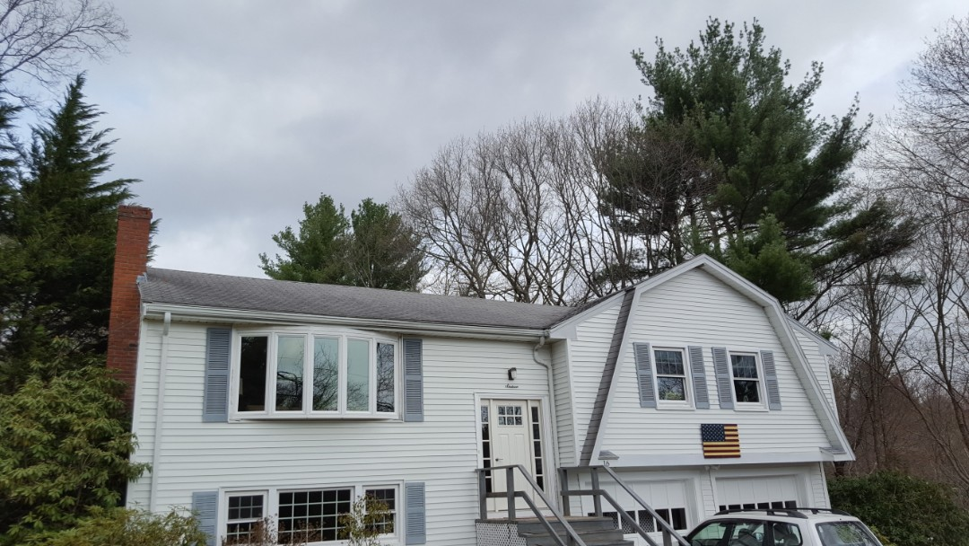 Canton, MA - Raised ranch looking for a Rustic Shake aluminum roof.