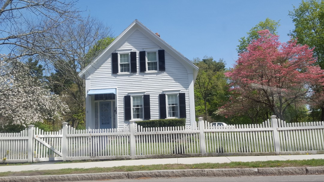 Wilmington, MA - A simple Colonial looking for an aluminum standing seam roof