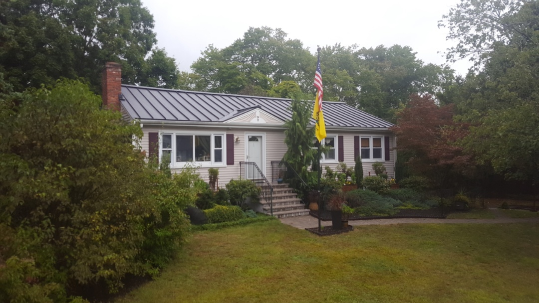 Holliston, MA - Aluminum metal standing seam roof in Holliston Mass.