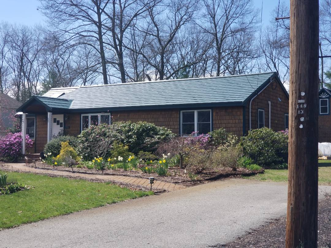 Sudbury, MA - Oxford metal shingle in forest green. Aluminum roofs are the best.