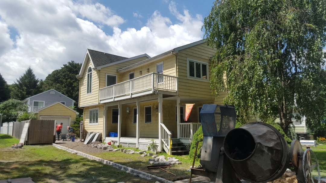Milford, CT - A nice little beach cottage looking to move into an aluminum standing seam roof