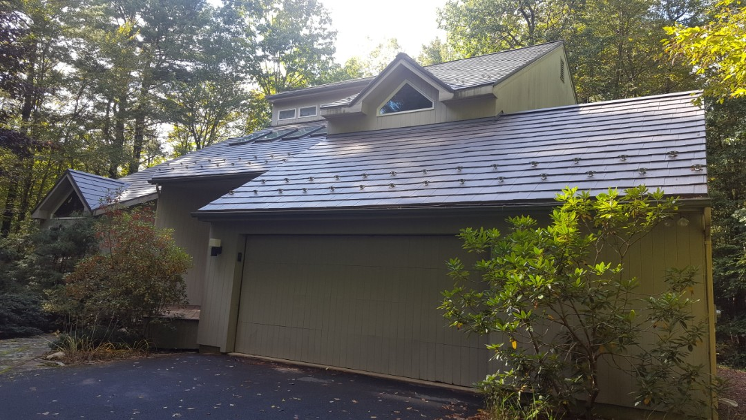 Torrington, CT - Aluminum Oxford shingles in Goshen Conn